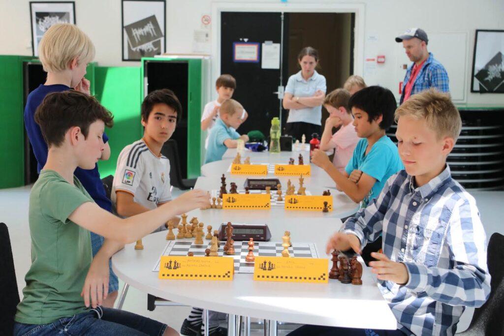 Mathias vs Emil i Mestergruppen